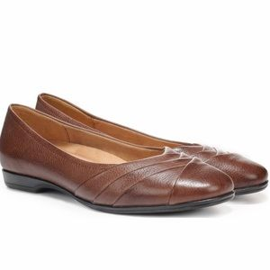 Naturalizer Coffee Bean Brown Leather Jaye Flats